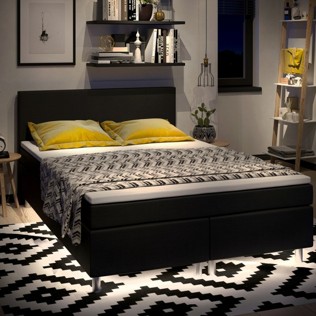 led beleuchtung f r betten flurm bel kinderbetten badezimmerm bel k chen. Black Bedroom Furniture Sets. Home Design Ideas